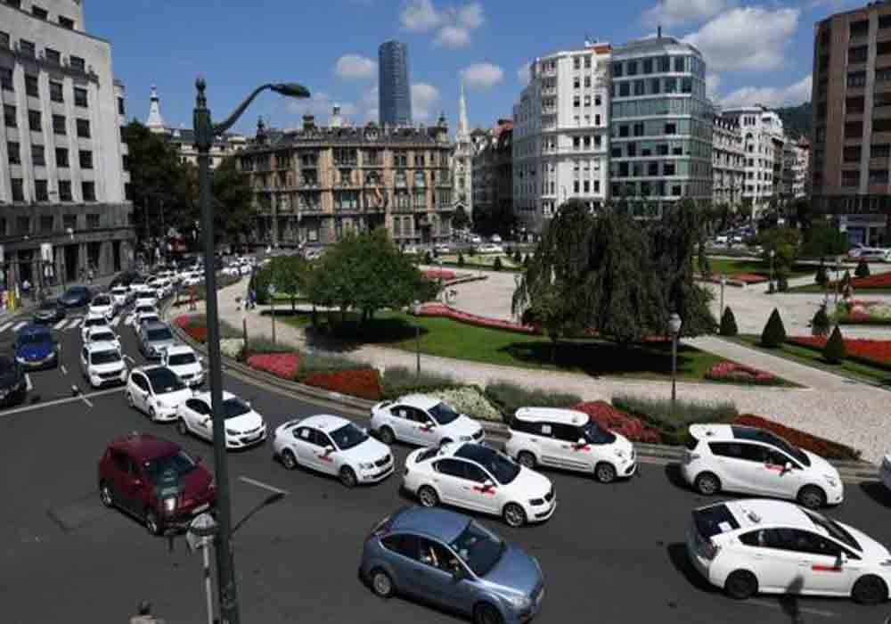 Euskadi regula los VTC con 1 hora de antelación
