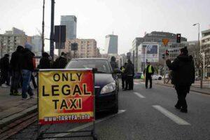 Protesta de los taxistas de Varsovia contra Uber