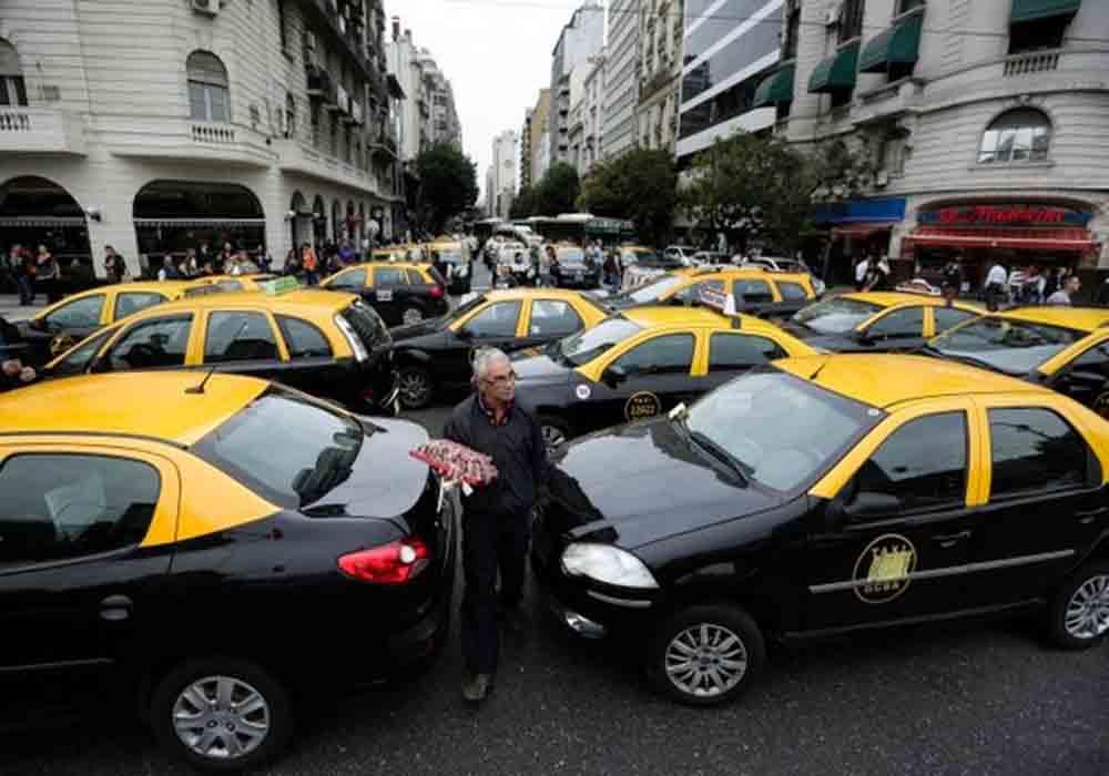 Argentina reclama a Uber 358 millones de impuestos