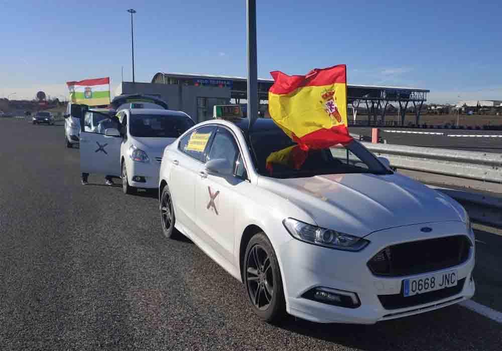 El taxi exige al gobierno regular las VTC en La Rioja