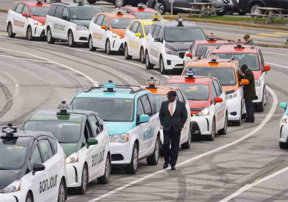 Montreal no quiere que Quebec regule sus taxis