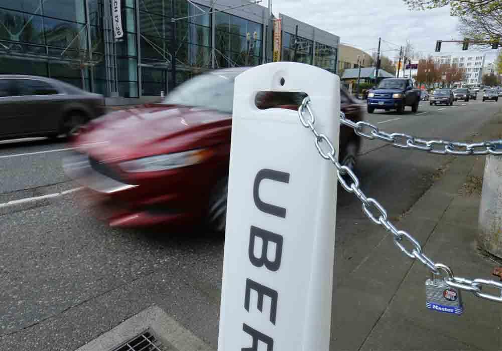 Uber suspende su llegada a Alicante