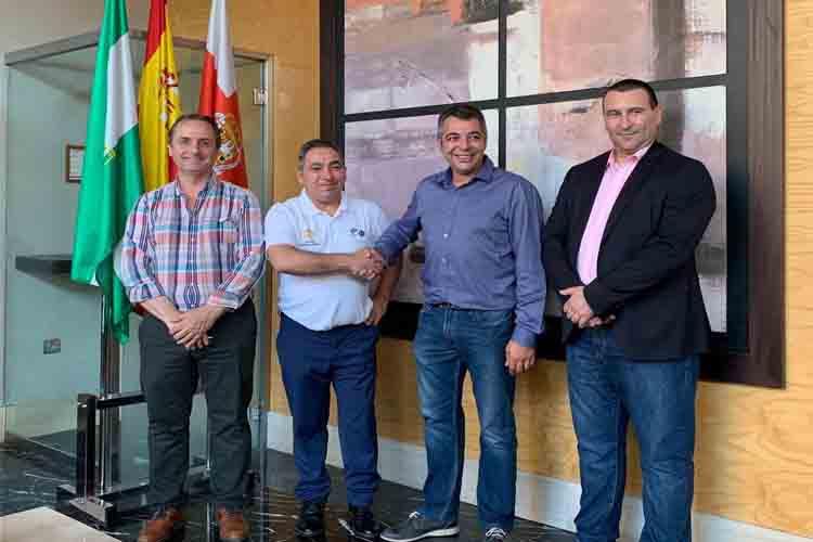 Fusión del taxi en Almería para competir con las VTC