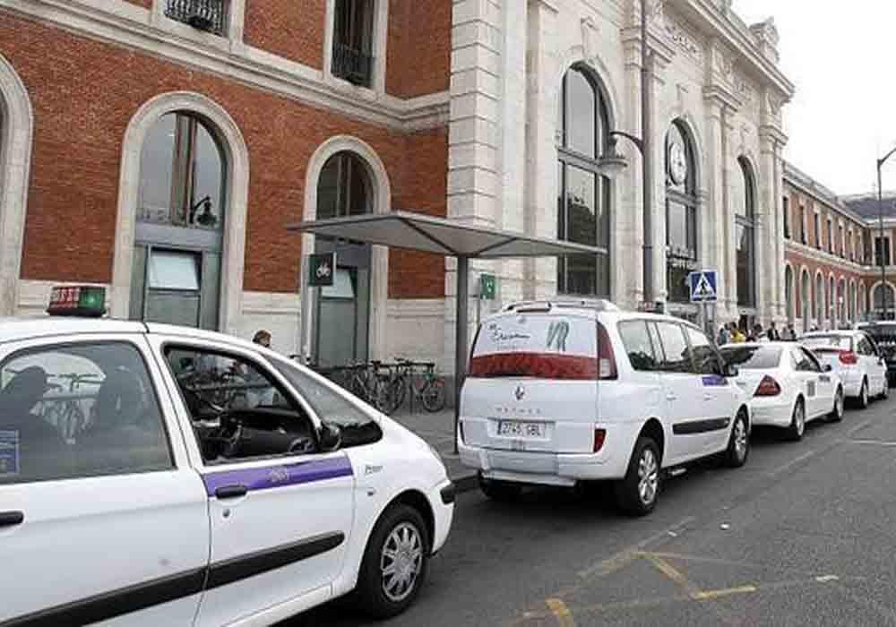 Los taxistas de Palencia exigen información sobre las fiestas