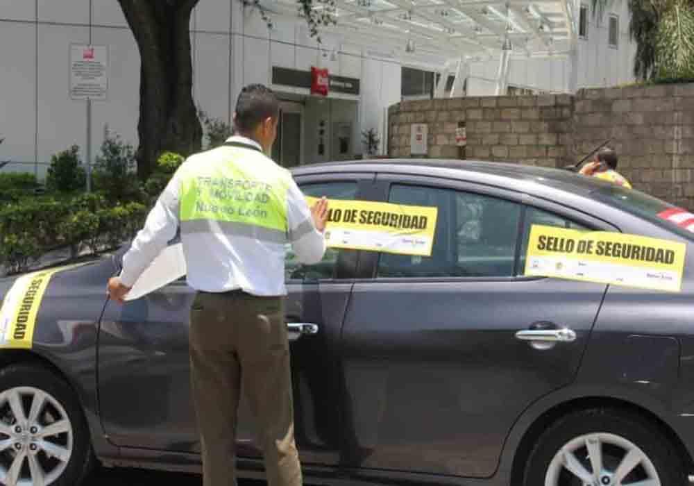 Operativo para retirar a los Uber en Nuevo León