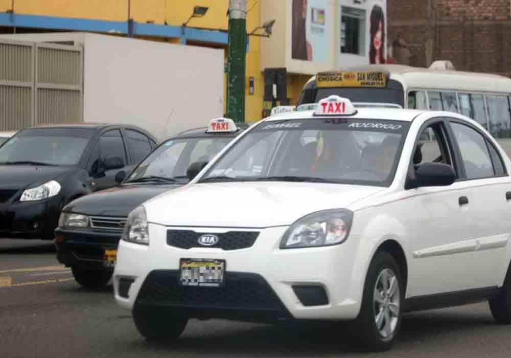 Pago con tarjeta de crédito para el taxi de Perú