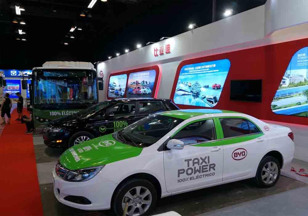 Panamá ya tiene flota de taxis eléctricos de BYD