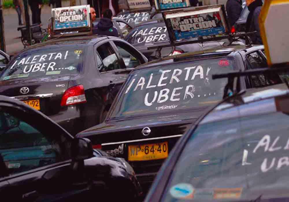 Propuesta en Chile para limitar a Uber y Cabify