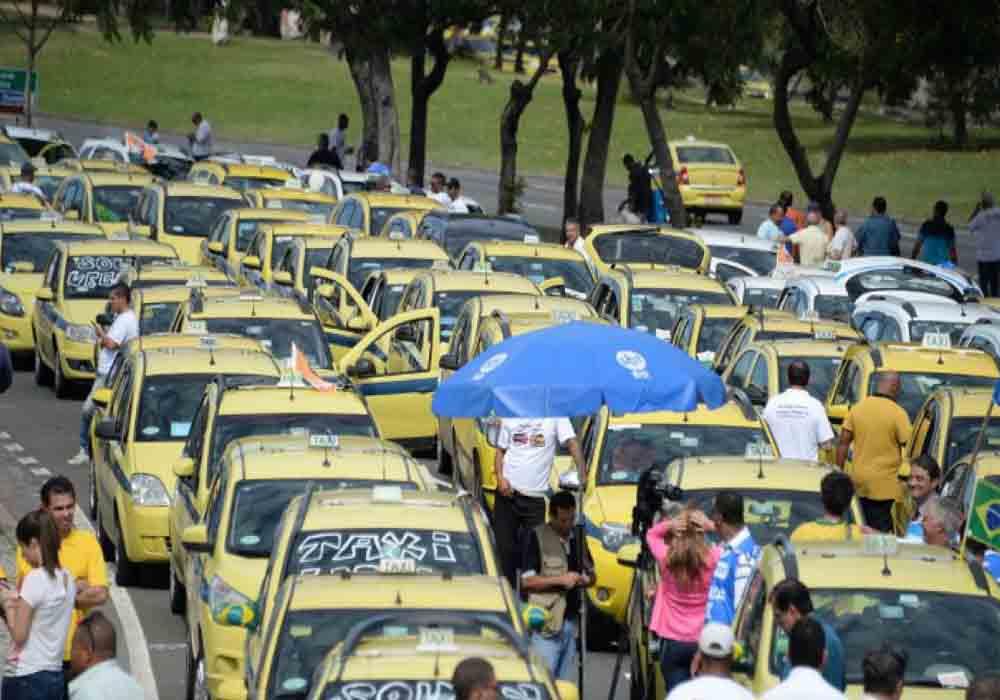 Protesta de los taxistas brasileños contra Uber
