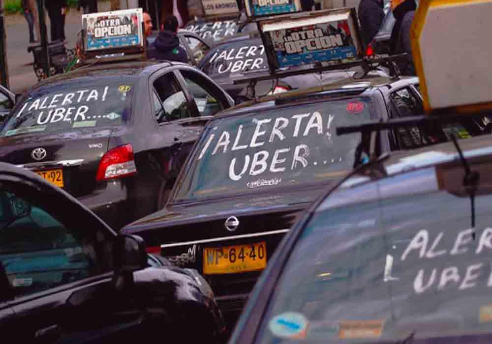 Chile aprueba por Ley regularizar a Uber