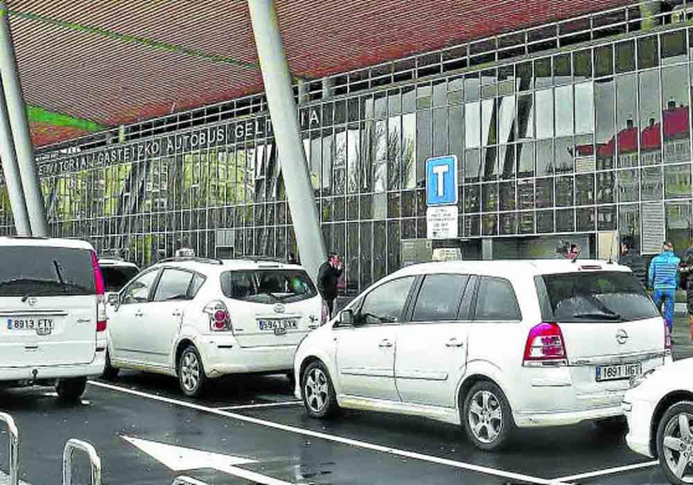 Vitoria ya cuenta con 6 taxis eléctricos